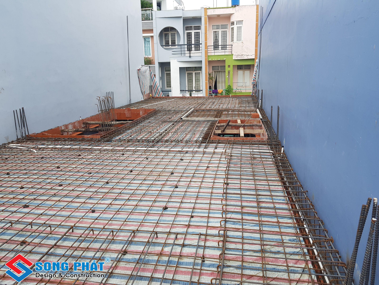Thi công kết cấu dầm sàn thuộc phần thô.