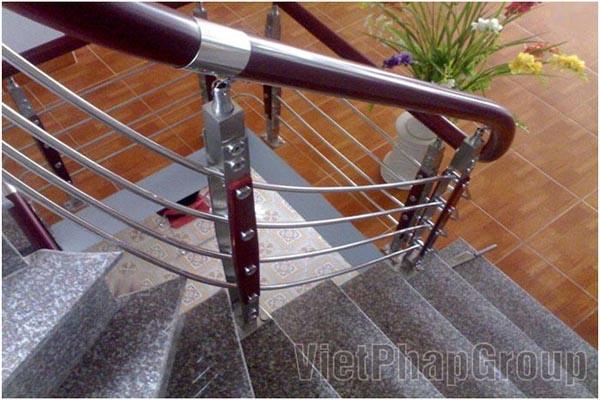 Mẫu tay vịn cầu thang inox bằng nhựa đẹp