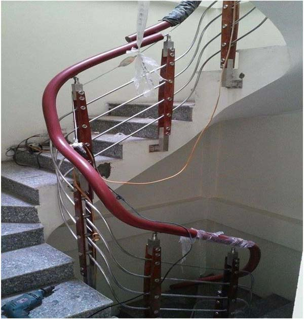 Thi công tay vịn cầu thang inox nhựa