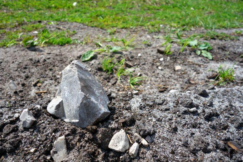 Đất cấp 3 là một loại đất thuần túy bao gồm đất, đá, sỏi