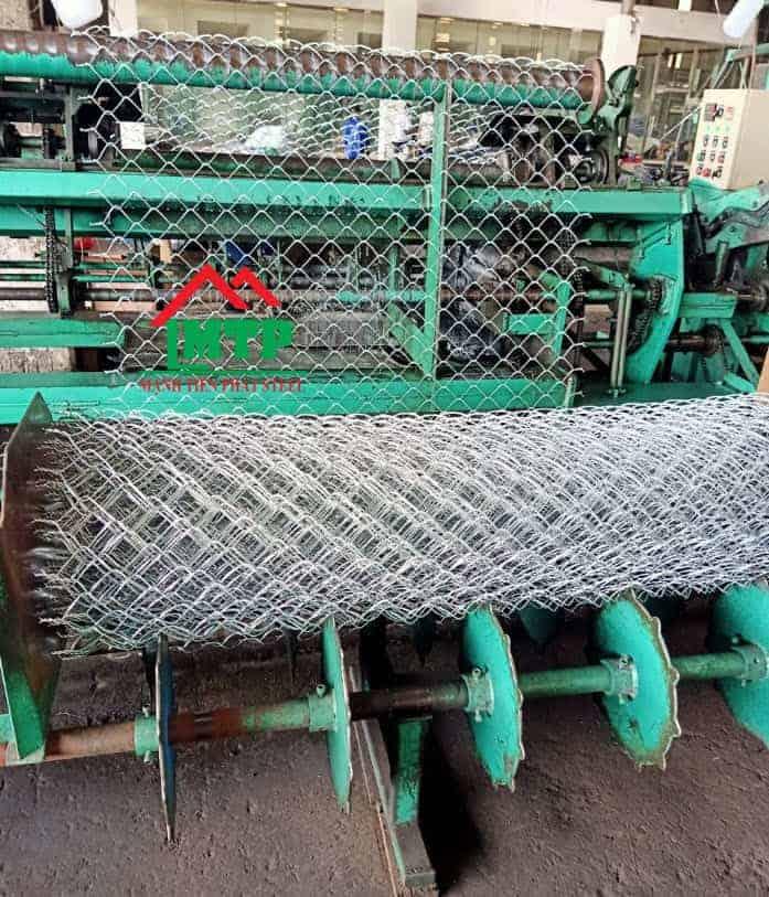 Sản xuất lưới b40 bằng máy đan lưới