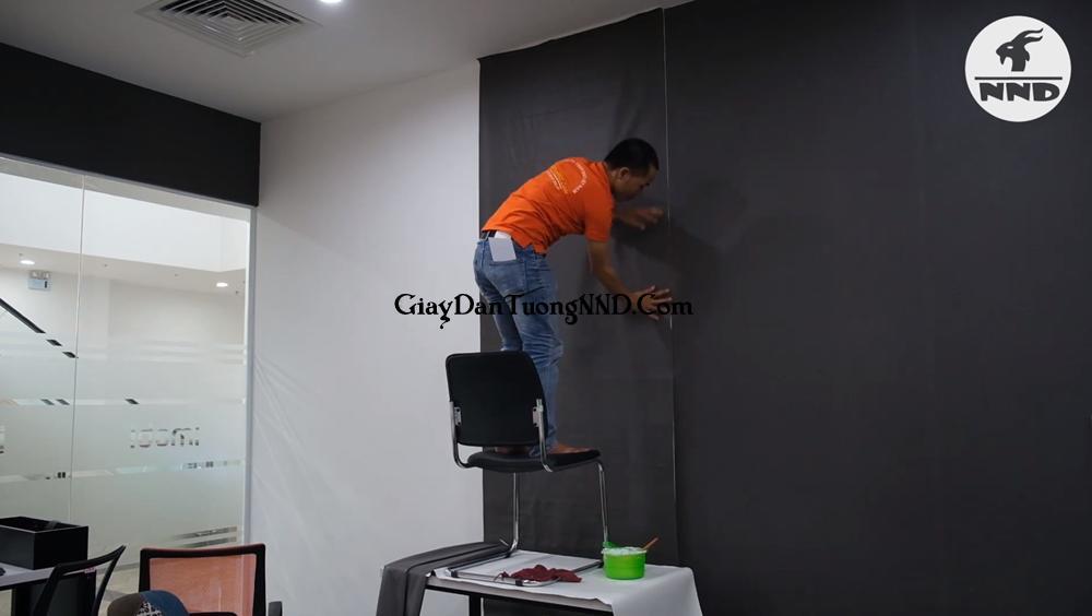 Cho thuê thợ thi công giấy dán tường giá rẻ nhất Hà Nội